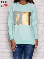 Miętowa bluza z napisem YES NOW