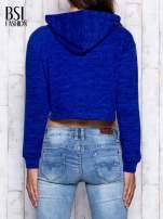 Niebieska bluza cropped z kapturem                                  zdj.                                  5