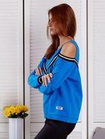 Niebieska bluza z ukośnymi ściągaczami                                  zdj.                                  3
