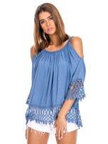 Niebieska bluzka cold shoulder z koronką                                  zdj.                                  1
