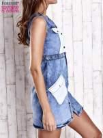Niebieska denimowa sukienka z kieszeniami
