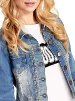 Niebieska kurtka jeansowa damska z przetarciami                                                                          zdj.                                                                         5