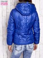 Niebieska pikowana kurtka z futrzaną podszewką                                  zdj.                                  2