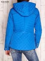 Niebieska pikowana kurtka z kapturem w stylu husky                                  zdj.                                  2
