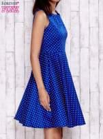 Niebieska rozkloszowana sukienka w groszki                                  zdj.                                  3