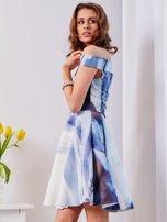 Niebieska wzorzysta sukienka                                  zdj.                                  5