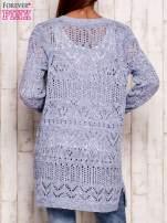 Niebieski melanżowy ażurowy sweter                                   zdj.                                  2