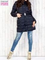 Niebieski pikowany płaszcz z paskiem                                  zdj.                                  7