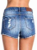 Niebieskie jeansowe szorty z przetarciem                                  zdj.                                  6