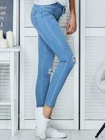 Niebieskie jeansy vintage o dopasowanym kroju                                  zdj.                                  5
