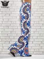 Niebieskie spodnie dzwony w etniczne wzory                                                                          zdj.                                                                         3