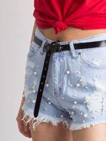 Niebieskie wystrzępione jeansowe szorty z perełkami                                  zdj.                                  1