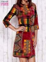 Pomarańczowa sukienka w kolorowe etniczne wzory                                                                          zdj.                                                                         1