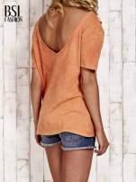 Pomarańczowy t-shirt z kwiatami efekt acid wash                                  zdj.                                  4