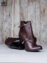 ROCCOBAROCCO Brązowe botki skórzane genuine leather na słupku ze złotymi klamerkami                                  zdj.                                  4