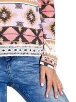 Różowa bluza w azteckie wzory z gipiurą                                  zdj.                                  5