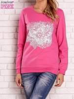 Różowa bluza z kolorowym nadrukiem                                  zdj.                                  1