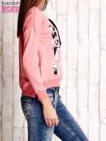 Różowa bluza ze srebrnym napisem