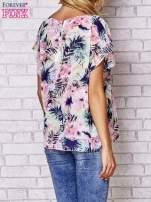 Różowa bluzka koszulowa z motywem exotic print                                                                          zdj.                                                                         4