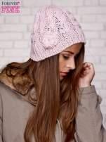 Różowa dziergana czapka z kwiatkiem                                  zdj.                                  3