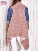 Różowa futrzana kamizelka a asymetrycznym wykończeniem                                  zdj.                                  4