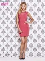 Różowa sukienka tuba z koronkowymi wstawkami                                  zdj.                                  4