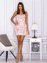 Różowa sukienka w grochy z falbanami                                  zdj.                                  4