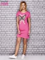 Różowa sukienka z cekinowym motylem                                                                          zdj.                                                                         2