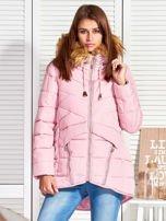 Różowy puchowy krótki płaszcz z pikowzaniem                                  zdj.                                  5
