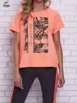 Różowy t-shirt z palmowym nadrukiem                                  zdj.                                  1