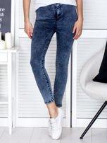 Spodnie ciemnoniebieskie high waist z dekatyzacją                                   zdj.                                  1
