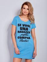 Sukienka bawełniana z napisami niebieska                                  zdj.                                  2