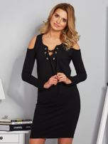 Sukienka cold shoulder w wypukłe paski czarna                                  zdj.                                  1