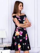 Sukienka czarna w kontrastowe kwiaty                                  zdj.                                  5