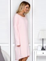 Sukienka damska dresowa o luźnym kroju różowa                                  zdj.                                  3