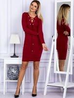 Sukienka damska w prążek ze sznurowaniem przy dekolcie bordowa                                  zdj.                                  4
