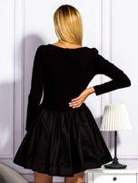 Sukienka damska z rozkloszowaną spódnicą czarna                                  zdj.                                  2