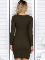Sukienka damska z wycięciami na rękawach w prążek khaki                                  zdj.                                  2