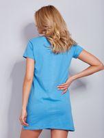 Sukienka niebieska bawełniana z napisem COLLEGE                                  zdj.                                  2