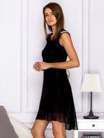 Sukienka w kratkę ze skórzanymi wstawkami czarna                                  zdj.                                  5
