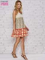 Sukienka w łączkę z dekoltem z koralików                                  zdj.                                  4