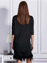 Sukienka z perełkami i piórami na dole czarna                                  zdj.                                  5