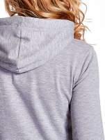 Szara bluza z nadrukiem psa                                  zdj.                                  7