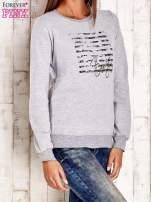 Biała bluza z tekstowym nadrukiem                                                                          zdj.                                                                         4