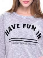 Szara melanżowa damska bluza z napisem HAVE FUN IN PARIS, NEW YORK, LONDON, MILAN                                  zdj.                                  5