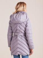 Szara pikowana kurtka zimowa z futerkiem                                  zdj.                                  2