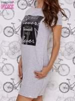 Szara sukienka dresowa z napisem YOU WILL NEVER FORGET ME                                  zdj.                                  3