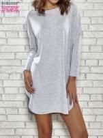 Szara sukienka z rozporkami po bokach