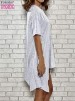 Szara sukienka z wydłużanymi bokami                                  zdj.                                  3