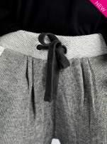 Szare melanżowe spodnie dresowe w stylu casual                                                                          zdj.                                                                         4